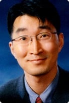 This is a headshot of Deok-Ho Kim.